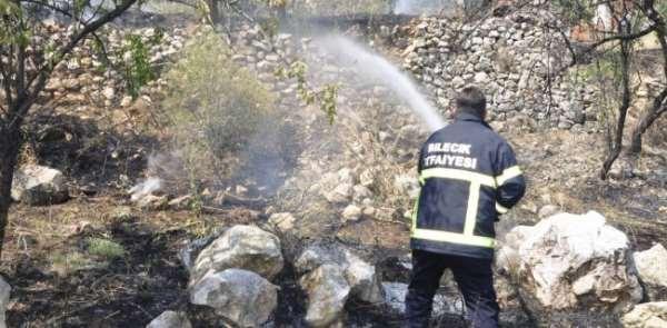 Bilecik'te ot yangınında mahalleli paniğe kapıldı.