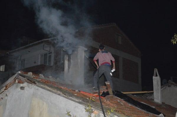 Cumhuriyet Mahallesinde Baca Yangını