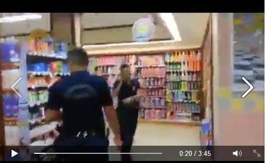 Polisimize Özel Bir Markette Saygısızlık