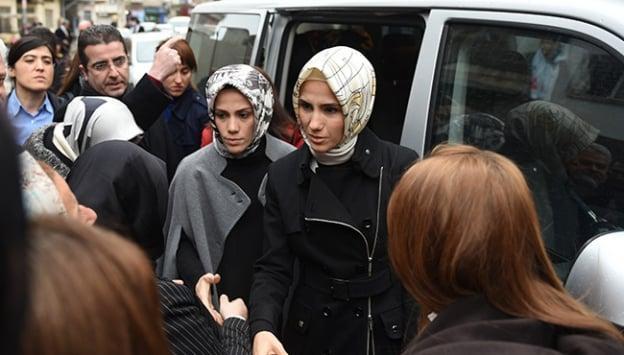 Sümeyye Erdoğan ve Esra Albayrak'tan taziye ziyareti