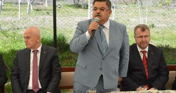 Bilecik Ak Parti Milletvekili adayları, muhtarlarla kahvaltıda biraraya geldi.