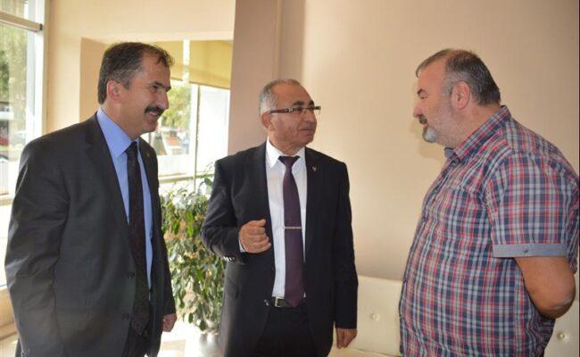 MHP Milletvekili Adayları esnaf ziyaretinde bulundu