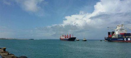 """""""Umudu Ol"""" yardım gemisi Somali'ye ulaştı"""