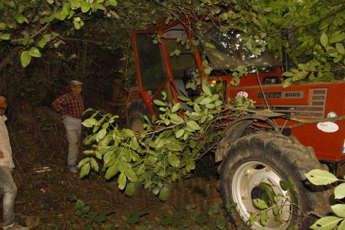 3 yasindaki cocuk traktor altinda kaldi (5)