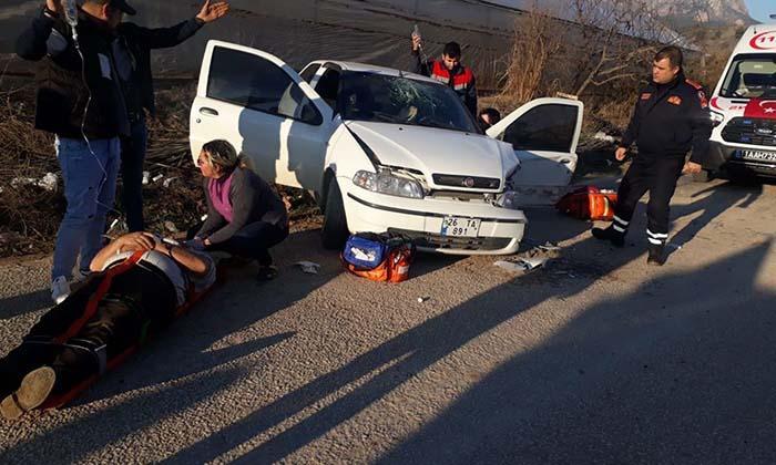 Kazada 1'i Ağır 2 Kişi Yaralandı-5