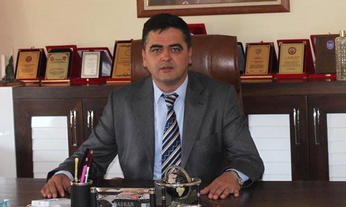 muzaffer yalcin ak partiden istifa etti