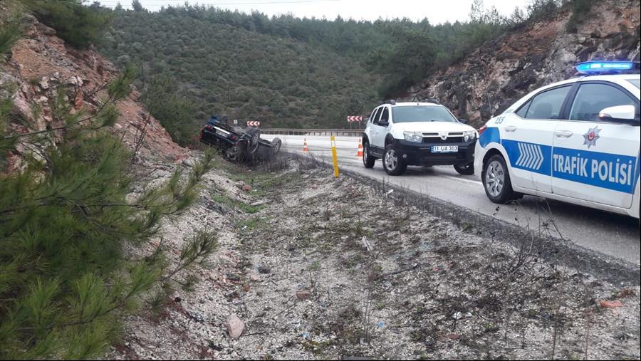 kontrolden cikan kamyonet ters dondu-bilecik-haber (3)