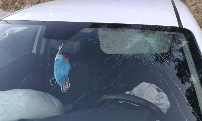 Akasyaaltı Yine Kaza. Bilecik'in Akasyaaltı mevkisinde meydana gelen kazada otomobil sürücüsü yaralandı3