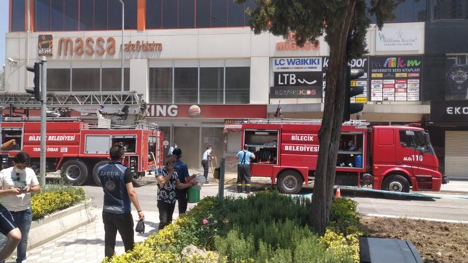 Bilecik Kayı Plazada Yangın-2 itfaiye aracı ile müdahale