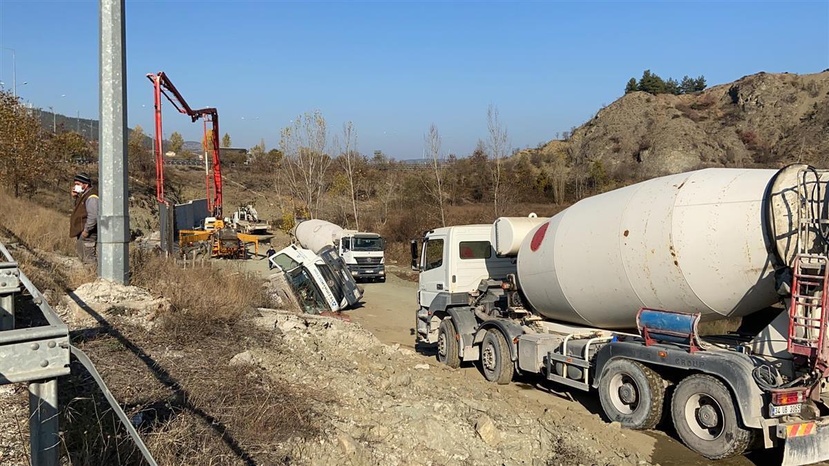 bilecikte-beton mikseri devrildi-bilecik-haber (4)