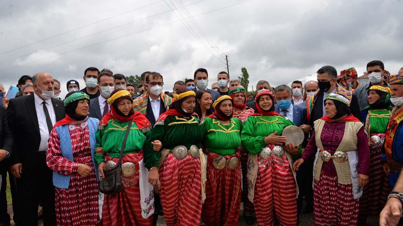 Enerji ve Tabii Kaynaklar Bakanı Dönmez ile Tarım ve Orman Bakanı Bekir Pakdemirli, Bilecik'e geldi3