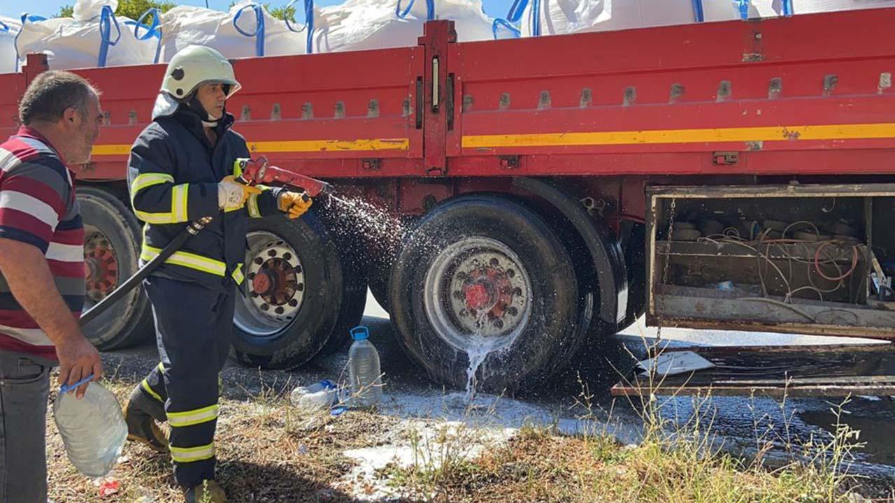 Bilecik'te TIR'da Başlayan Yangın Söndürüldü3